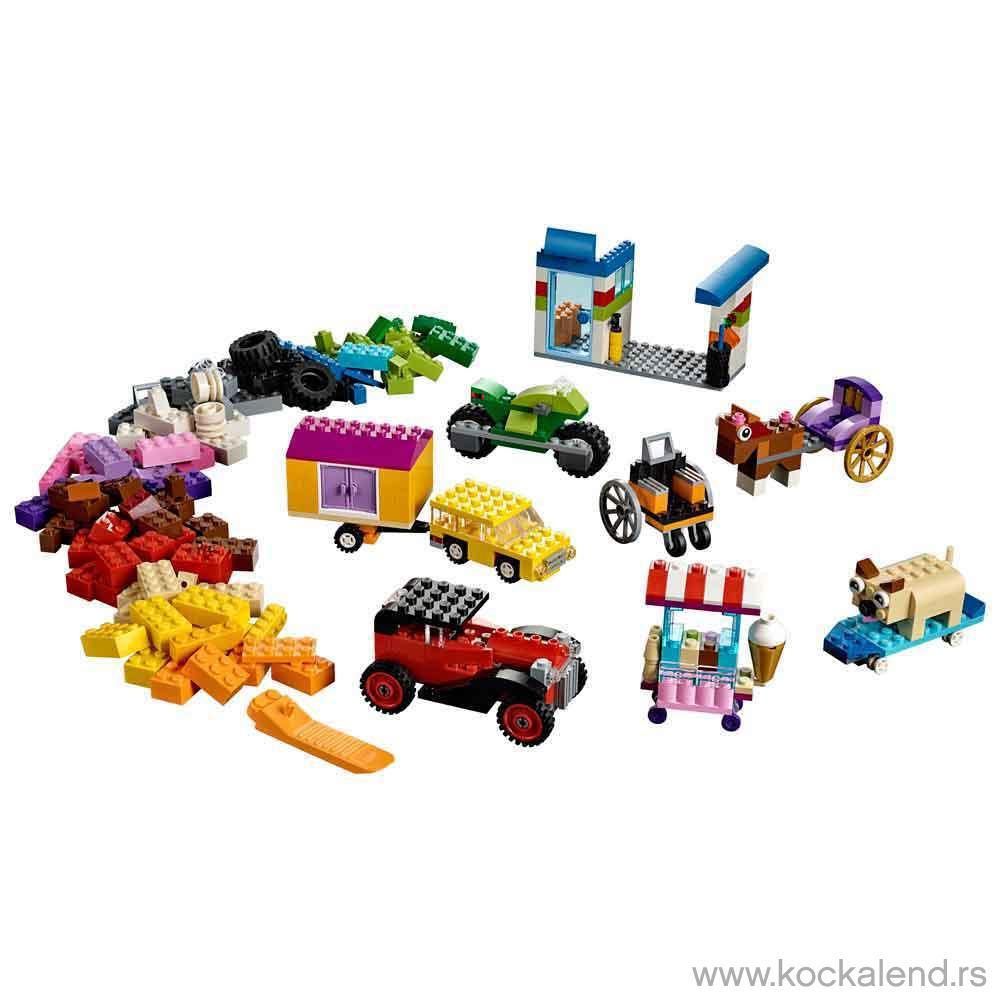 LEGO CLASSIC BRICKS ON A ROLL